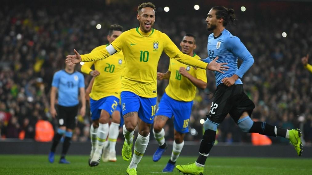 Neymar Mendekati Rekor Pele dan Ronaldo di timnas Brasil